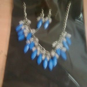 NWT NECKLACE & EAR RING SET BLUE/GRAY